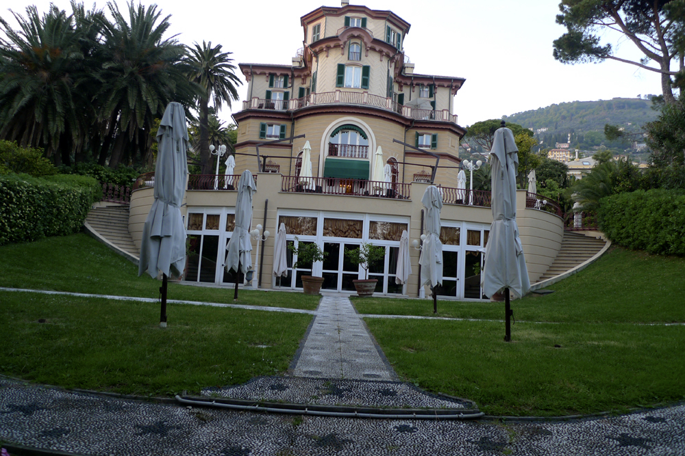 Hotel Villa Pagoda Contact Email